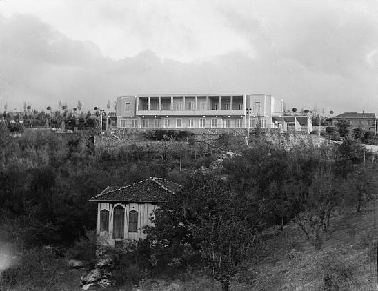 The presidential palace of Turkey, known as Çankaya Köşkü, photographed in 1935 in Ankara; the land and the seized building used to belong to one Ohanes Kasabian